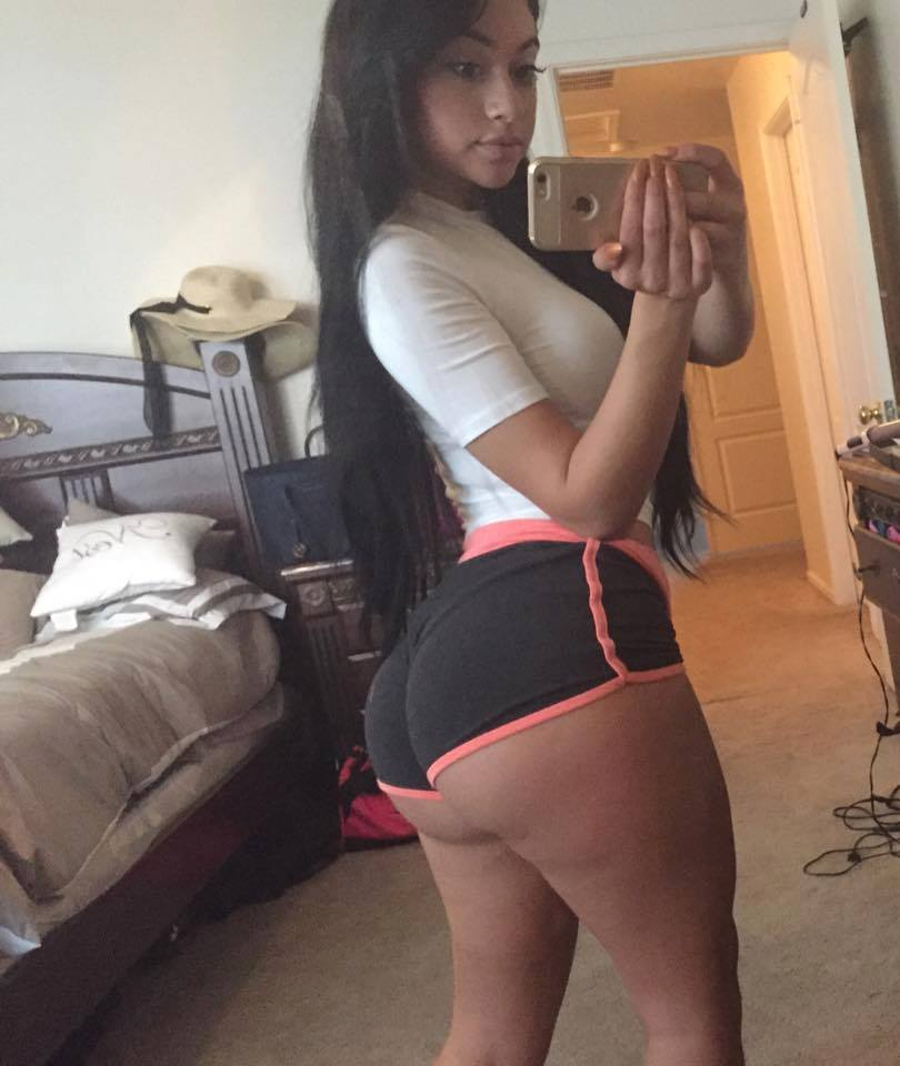 Hot white girl ass selfie has